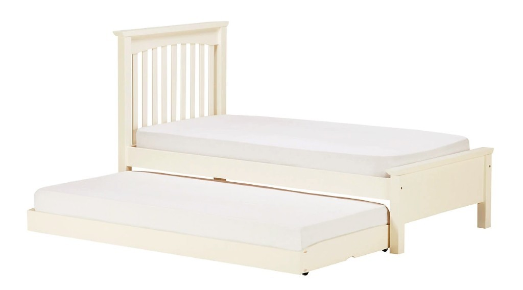 Kid's guest bed