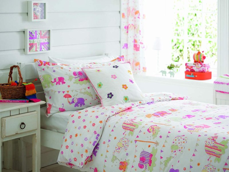 Pastel coloured, elephant-themed bedding set
