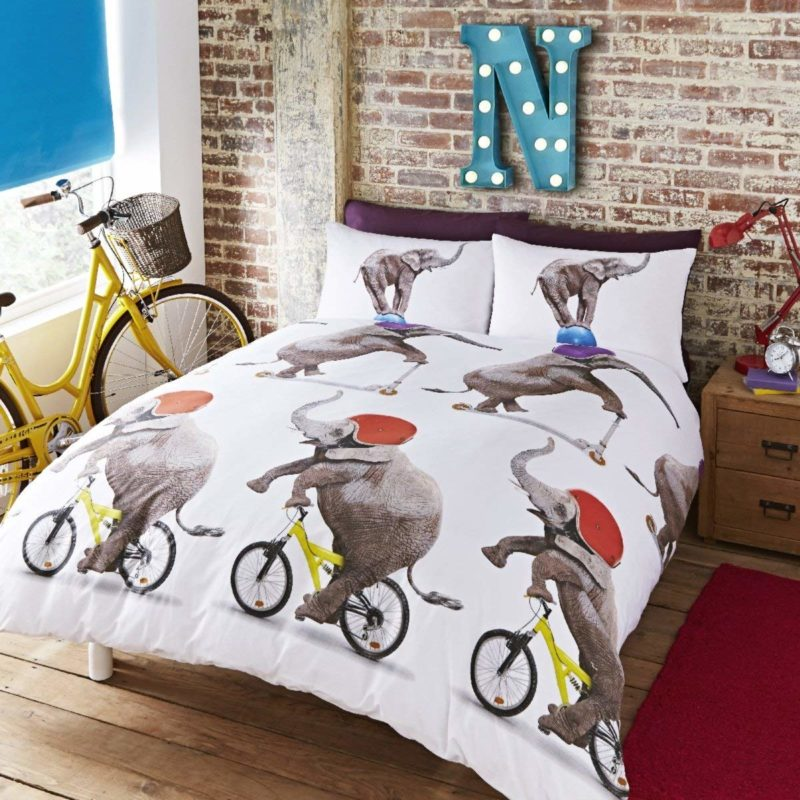 Elephant on a bike printed duvet set