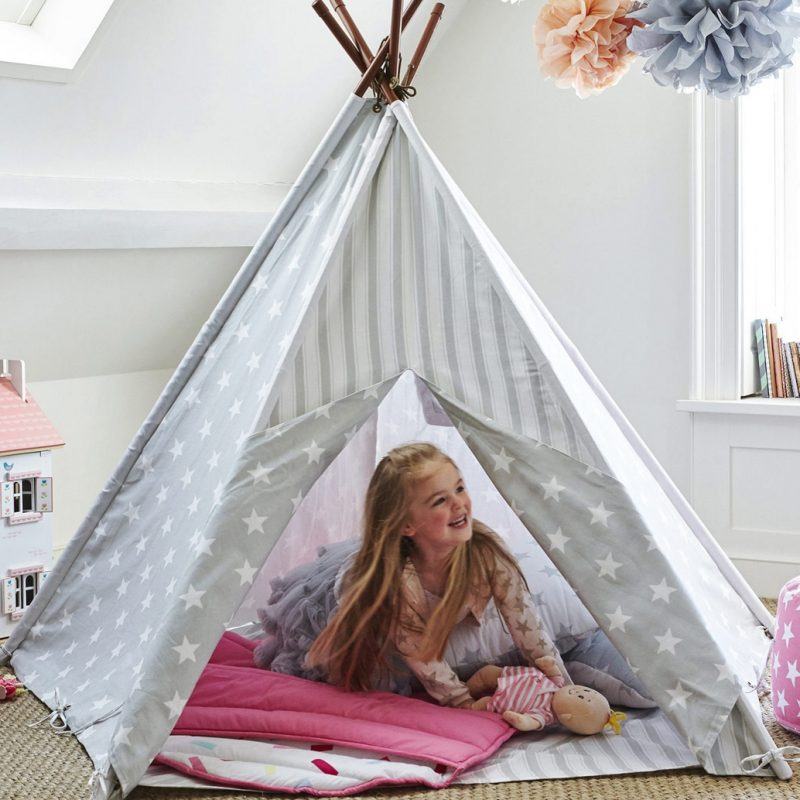 Grey and white pattern play tent