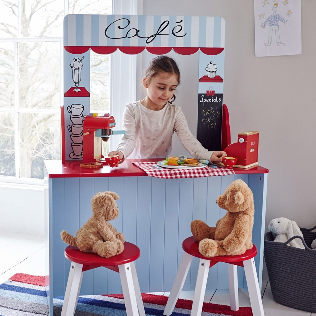 Pretend play coffee bar