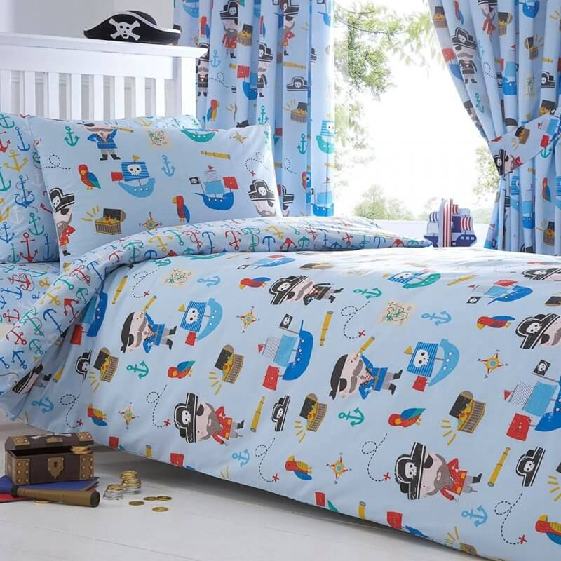 Pale blue bedding set with cute pirate figure prints