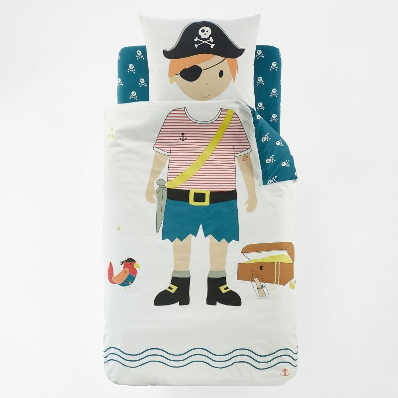 Pirate character bedding set