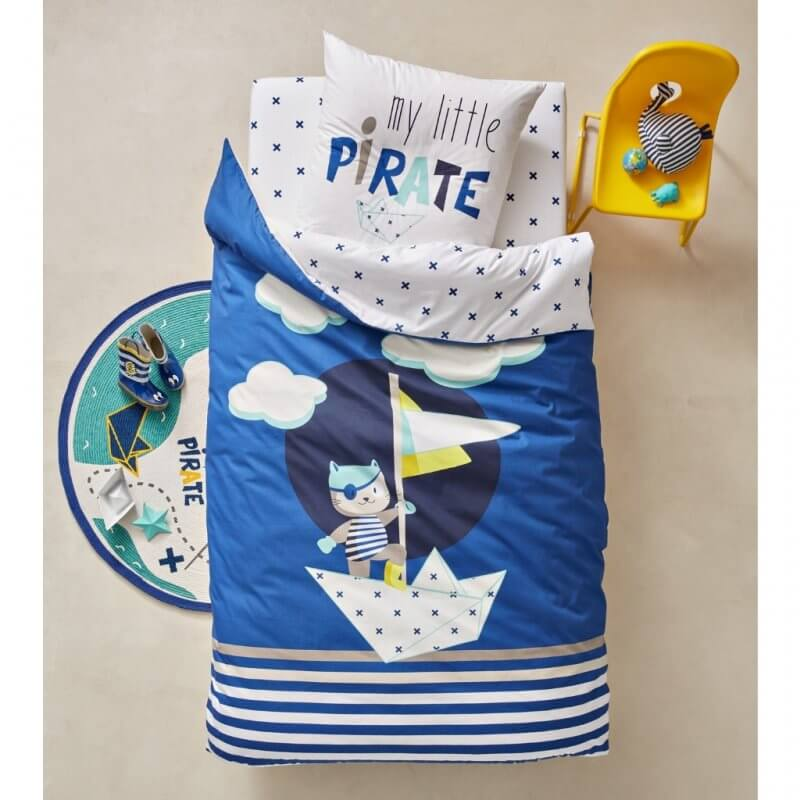 Little pirate theme bed set