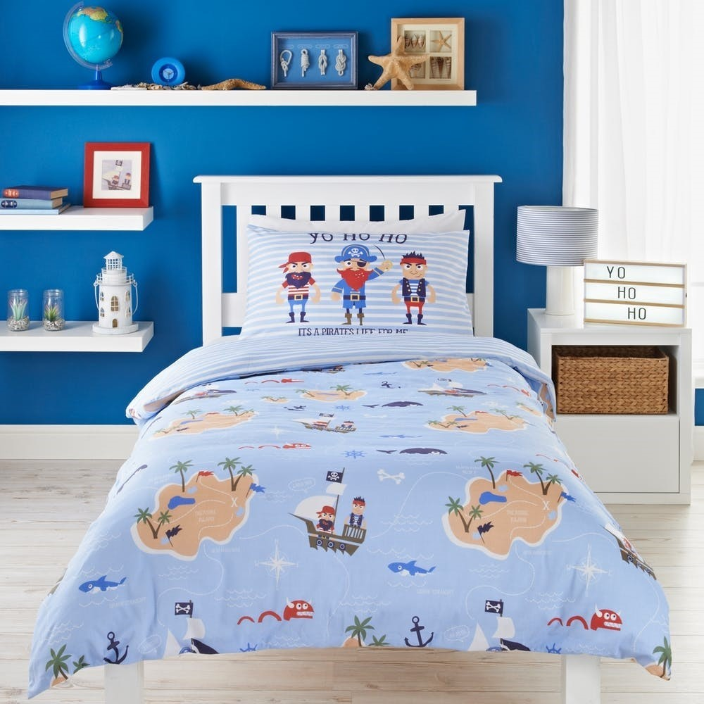 Pale blue pirates theme duvet cover