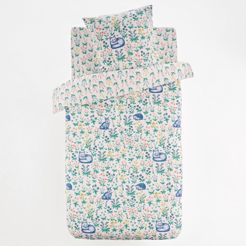 Multi-floral pattern bedding set