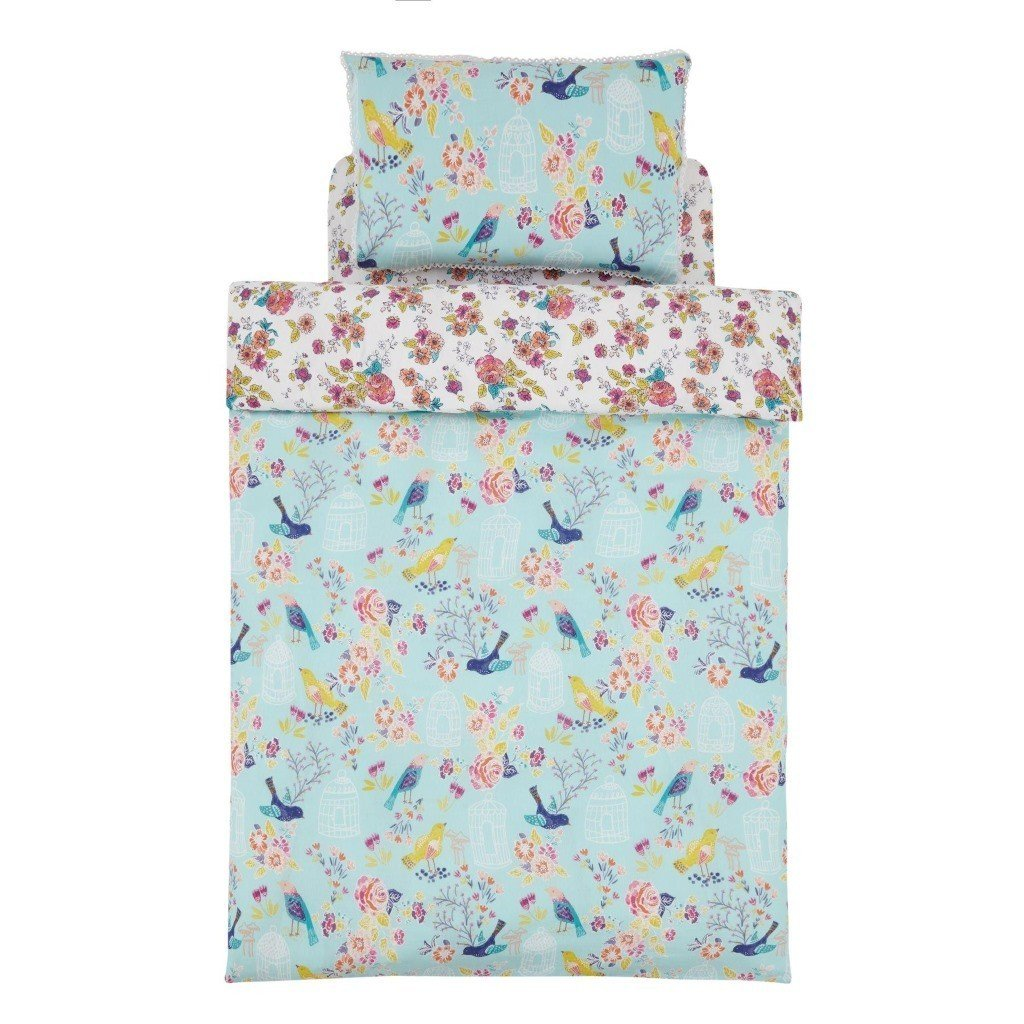 Pastel coloured duvet set with floral pattern
