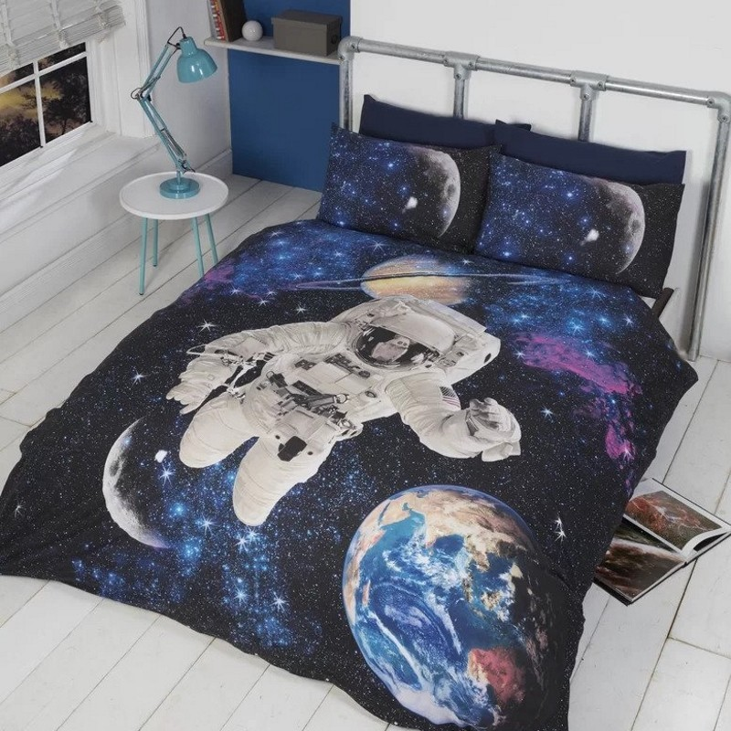 Astronaut in space bedset