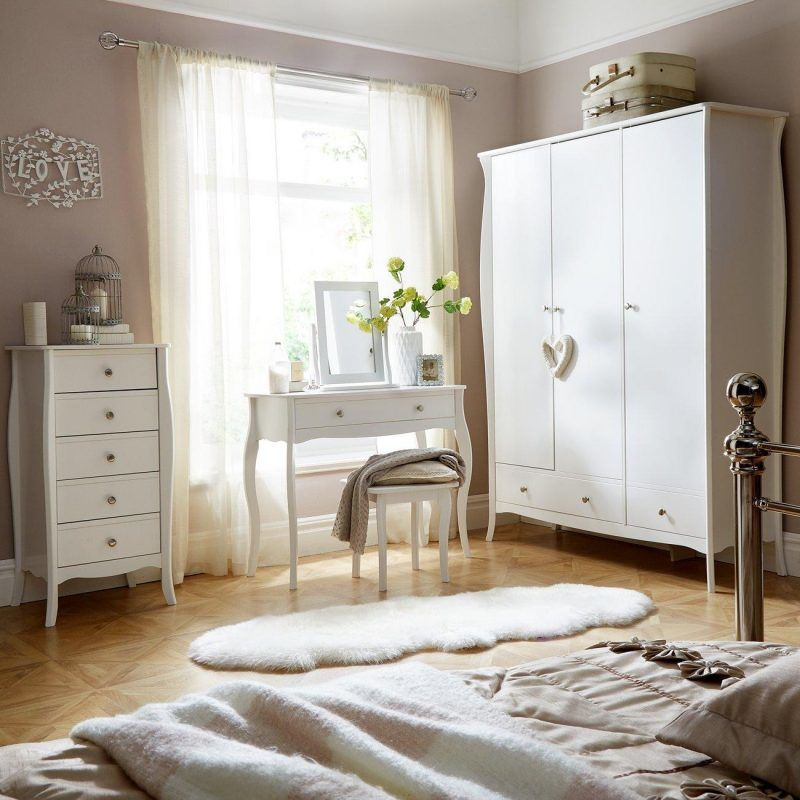 Kid's white-painted baroque style bedroom furniture