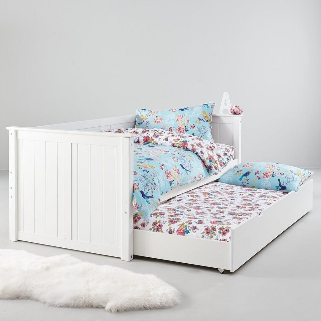 Roll-out trundle bed