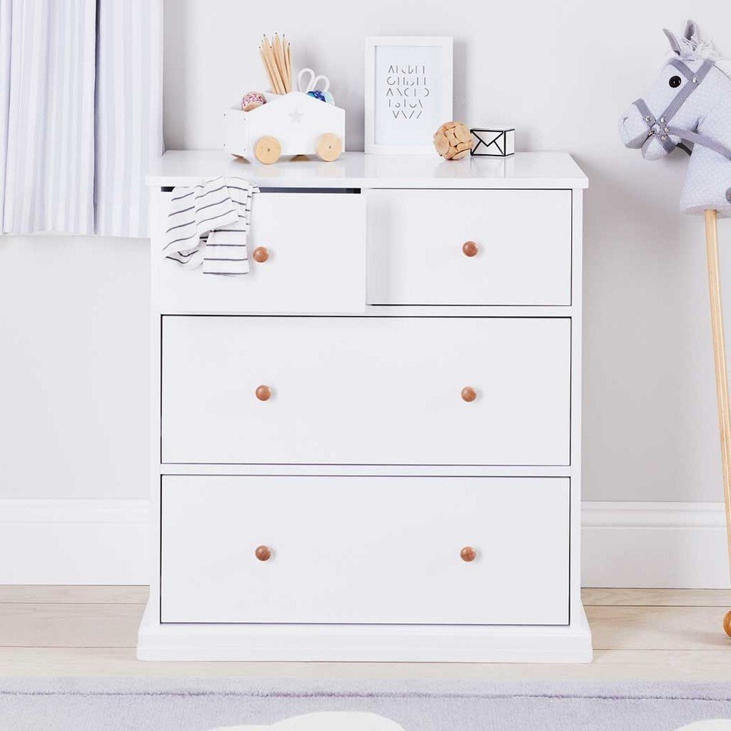 Kid's white 2 + 2 drawer chest