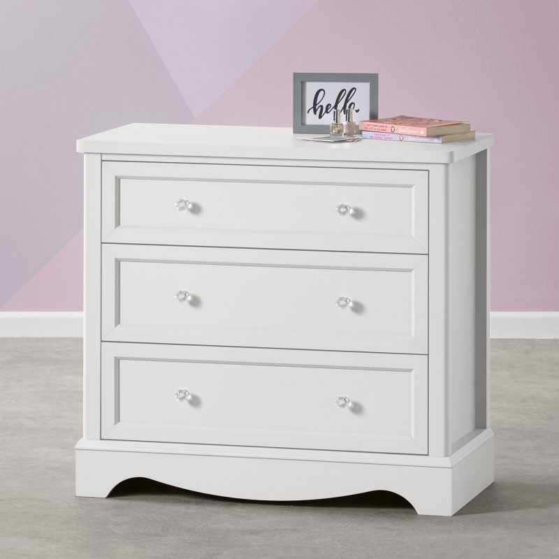 White-painted 3 drawer chest