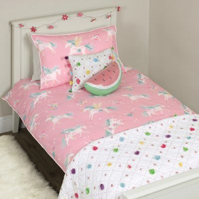 Pink bedding with unicorns print