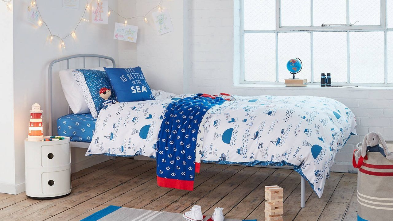 Nautical theme bedding