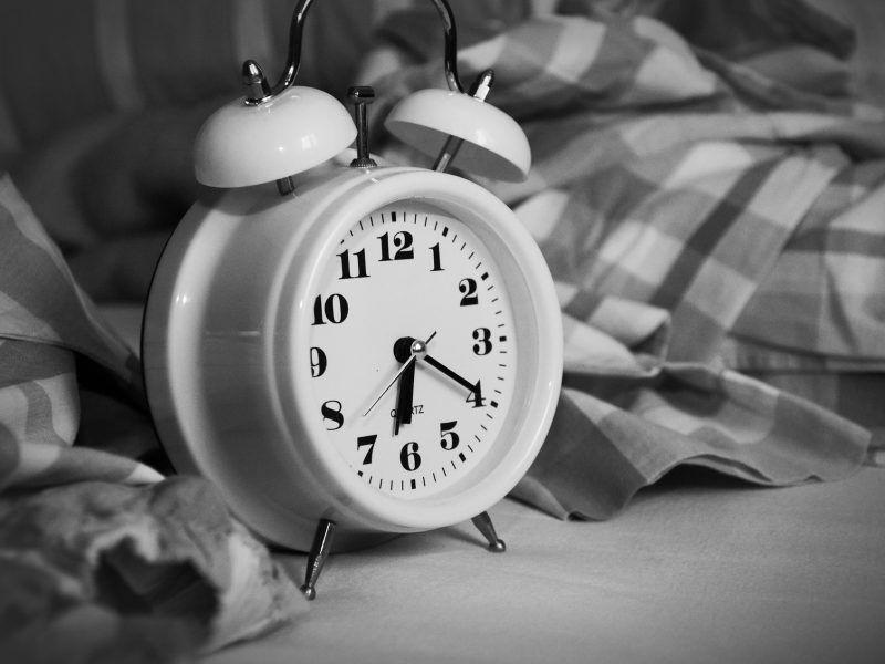 Alarm clock at 20 past 6