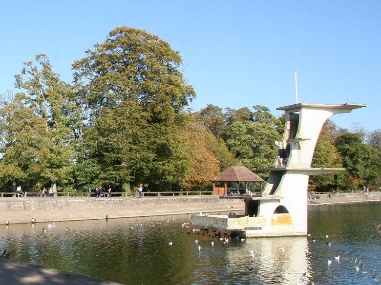 Splash lake at coate park
