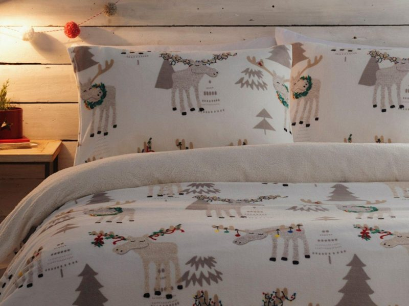 Moose themed bedding set