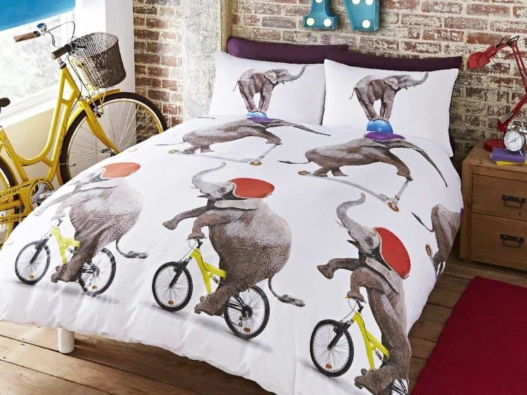 Kid's bedding set with elephant riding a bike print