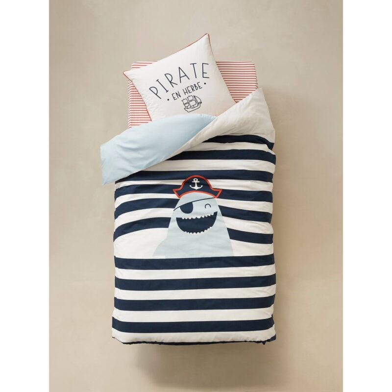 Pirate motif bedding set