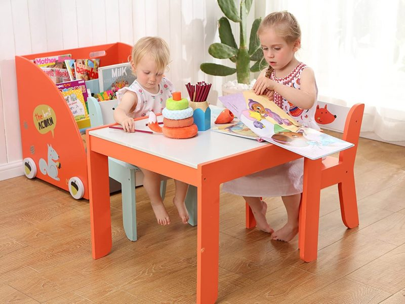 Children's play table and chair set