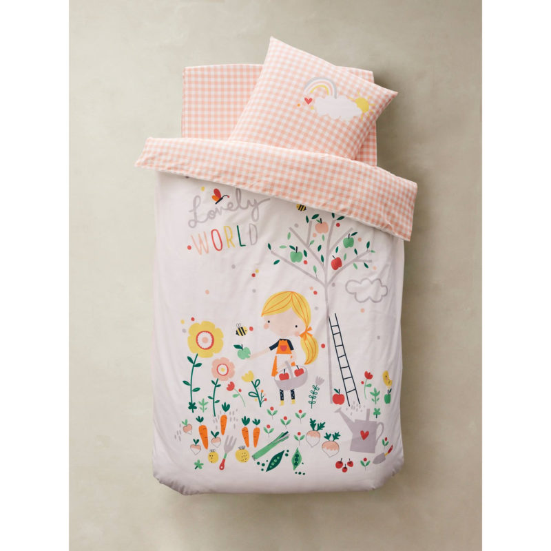 Pink and white floral bedding set