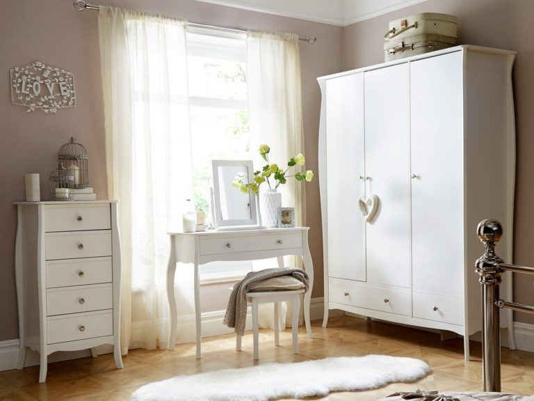 White Baroque-Style Bedroom Furniture