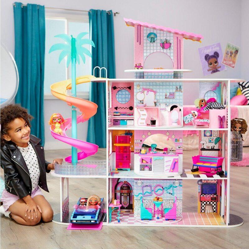 4 story luxury dolls house
