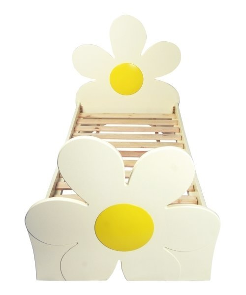 Kids bed with daisy shape head and foot boards