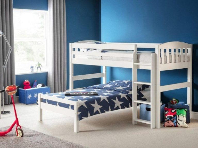 Bunk bed with lower bed at right angles