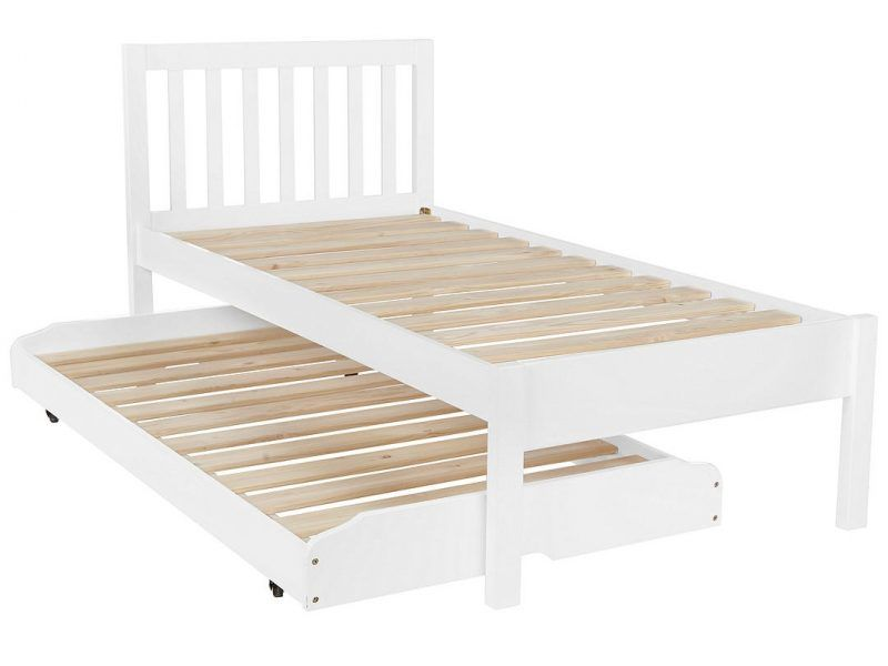 Child's bed with pull-out guest bed