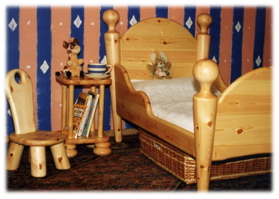 Chunky pine toddler bed