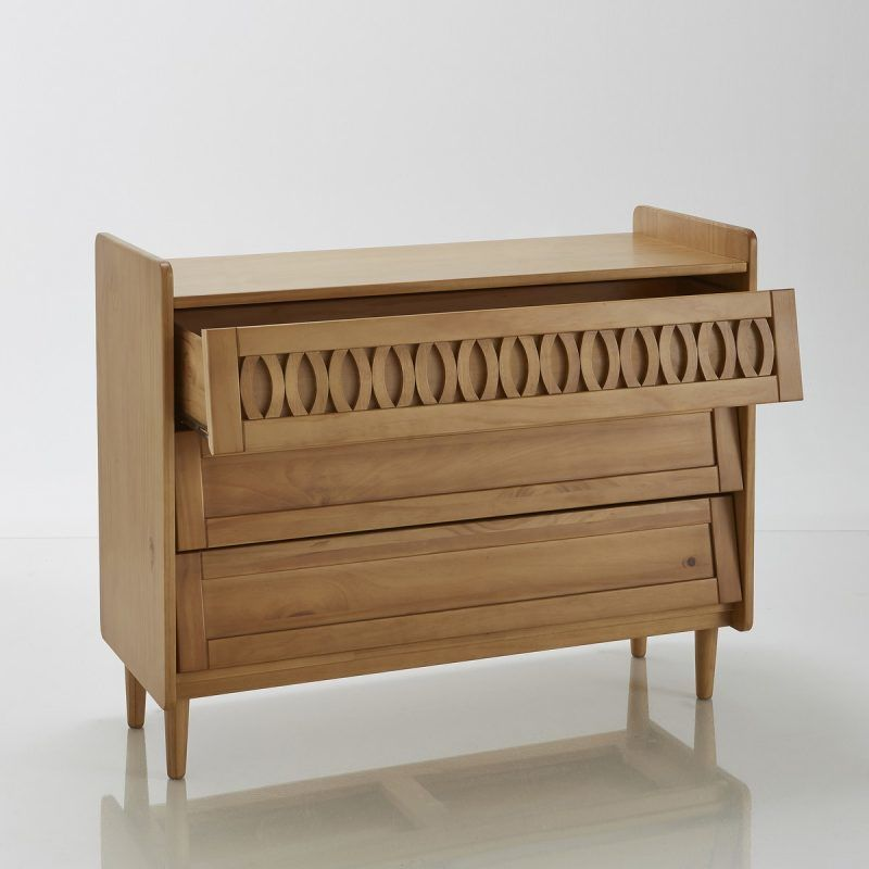 3 drawer chest with lattice-effect moulding