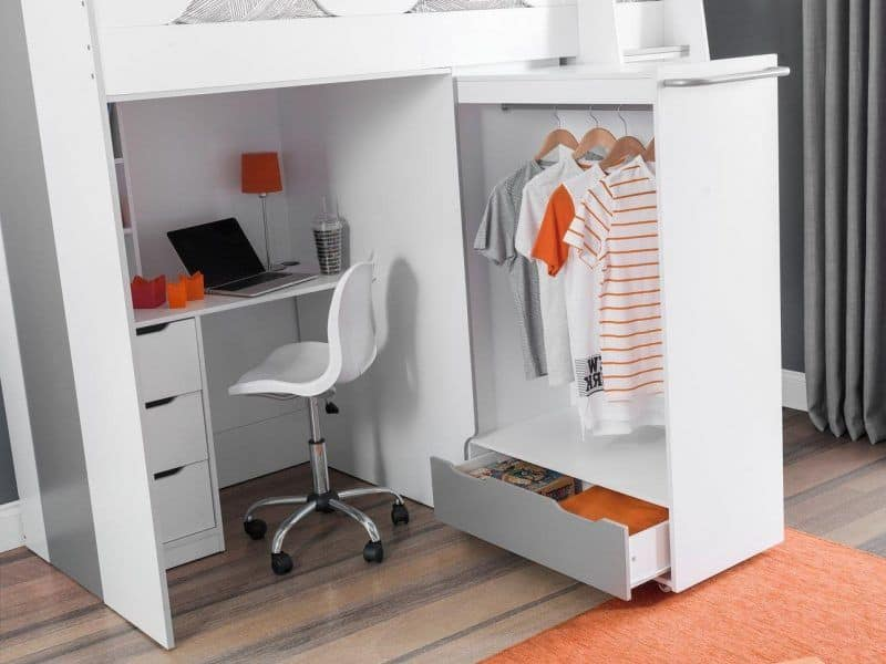 Pull-out wardrobe detail
