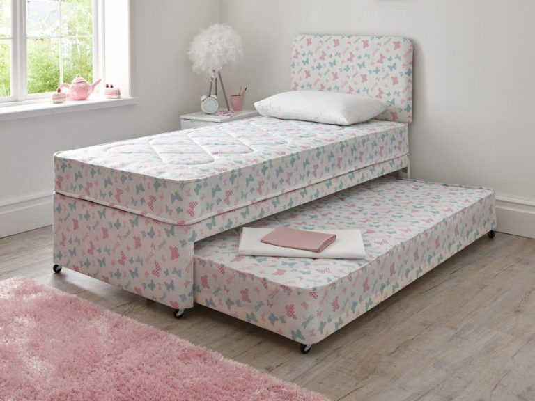 Kid's divan bed with pull-out guest bed