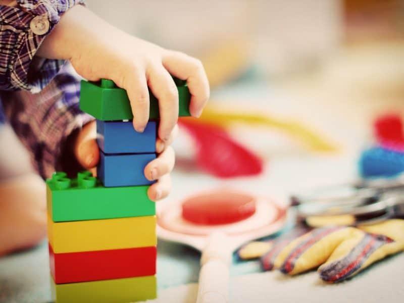 Children's building bricks