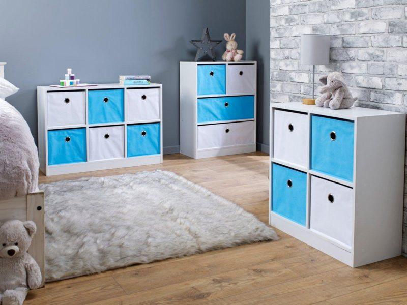 Blue/white cube units