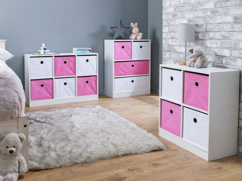 Pink/white cube units