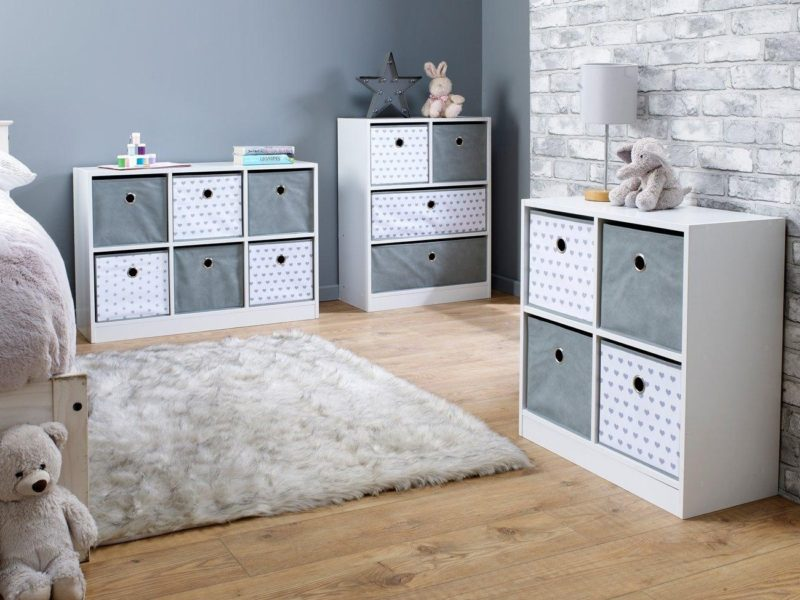 Cube storage units with hearts pattern
