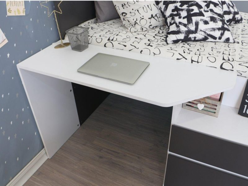Integrated desk space