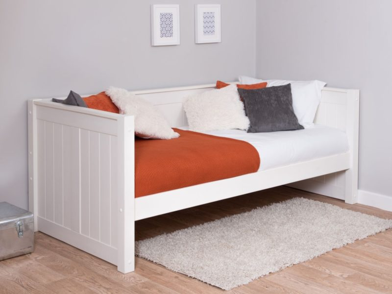 Children's white-painted day bed