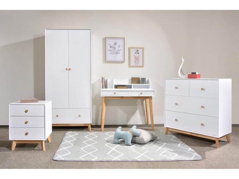 White/oak bedroom furniture