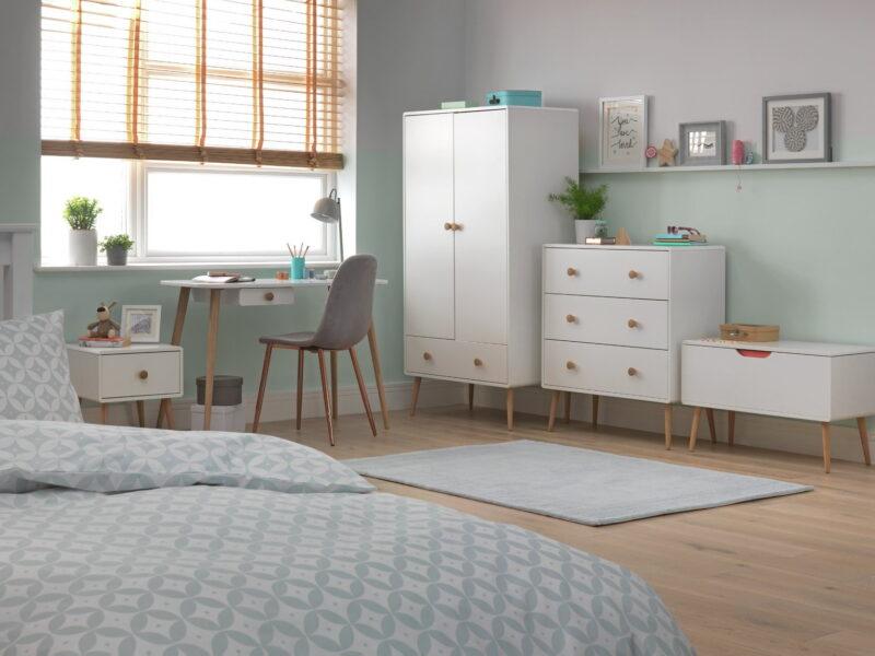 Kid's white and oak bedroom furniture